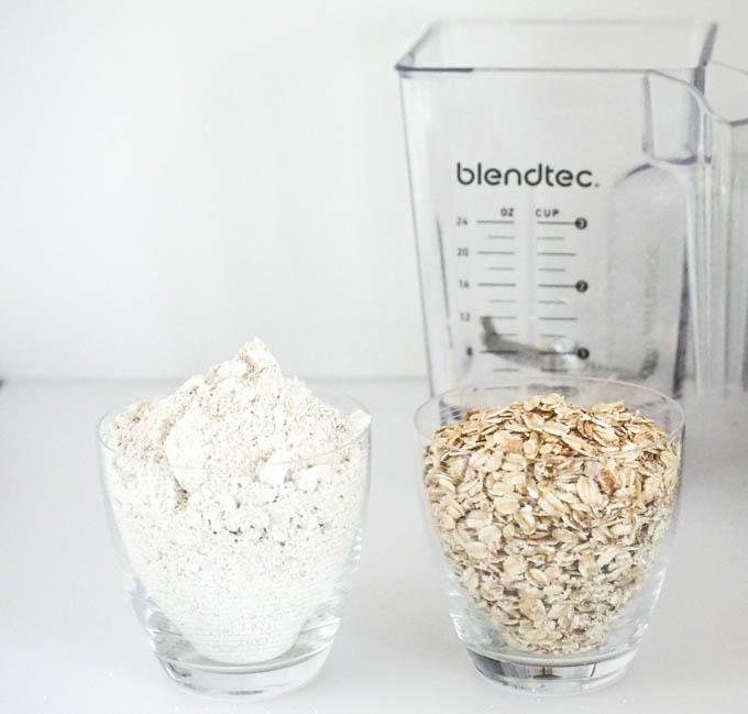 Świeżo zmieloną mąkę owsianą warto więc trzymać w lodówce w szczelnym pojemniku lub słoiku.