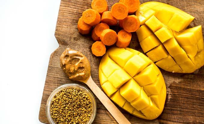 mango, pyłek pszczeli, marchew, masło migdałowe